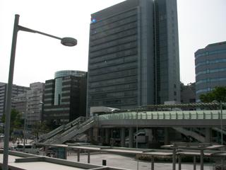 2011050408